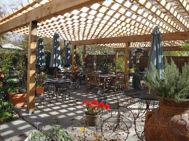 new_arbor_patio